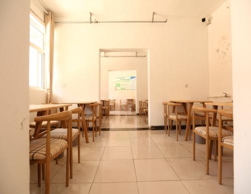全護理老年公寓哪里好_安陽市家政服務有哪些-安陽市怡康老年人養護服務有限公司
