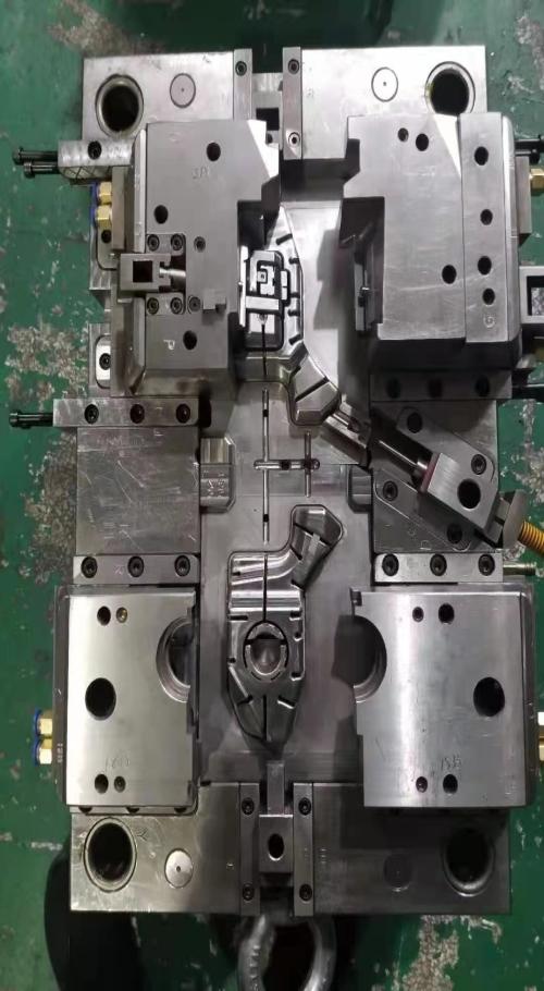 塑膠模具生產廠家_塑料模具制造相關-陜西正鑫嘉華模塑有限公司